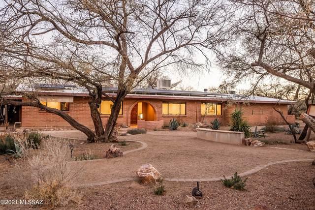9035 E Woodland Road, Tucson, AZ 85749 (#22103607) :: The Local Real Estate Group | Realty Executives