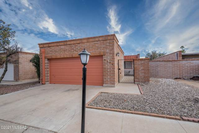 4234 N Limberlost Place, Tucson, AZ 85705 (#22104123) :: Long Realty - The Vallee Gold Team