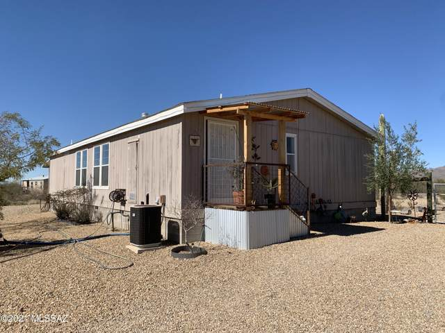 2625 S Desert Rose Drive, Tucson, AZ 85735 (#22104506) :: Long Realty - The Vallee Gold Team