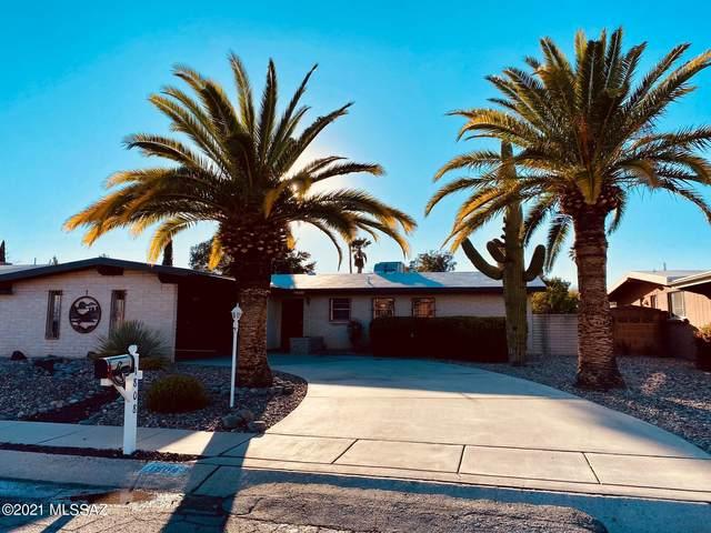 1808 S Regina Cleri Drive, Tucson, AZ 85710 (#22105007) :: Long Realty - The Vallee Gold Team