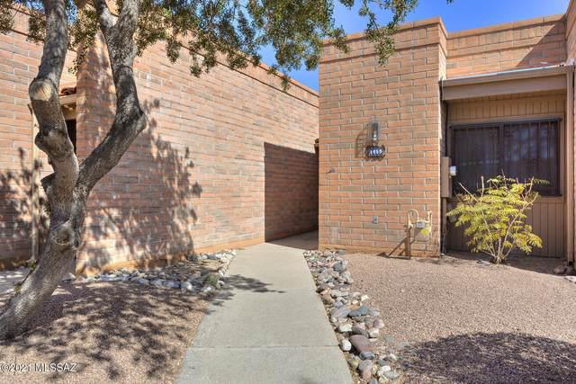 1460 W Desert  Hills Drive, Green Valley, AZ 85622 (#22105188) :: Keller Williams
