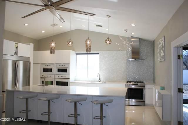 404 Wrightson Street, Rio Rico, AZ 85648 (#22107657) :: Long Realty Company