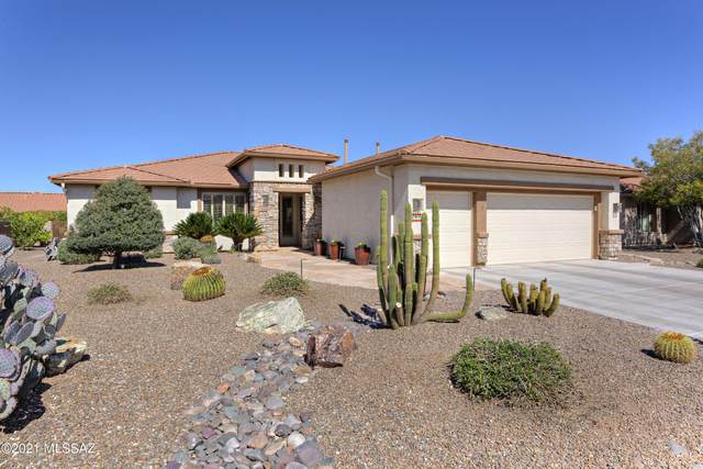 1915 N Oak Hill Lane, Green Valley, AZ 85614 (#22108320) :: The Local Real Estate Group | Realty Executives