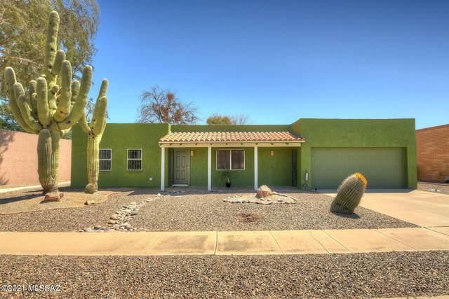 1120 N La Canoa, Green Valley, AZ 85614 (#22108386) :: Long Realty Company