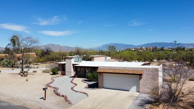 9420 E Bidahochi Drive, Tucson, AZ 85749 (#22109551) :: Long Realty - The Vallee Gold Team