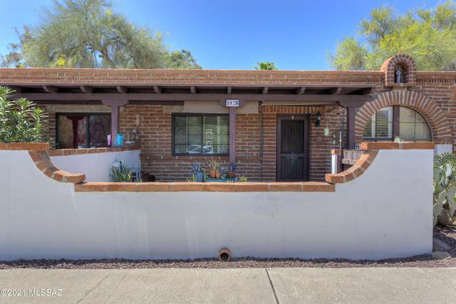 392 S Paseo Aguila B, Green Valley, AZ 85614 (#22109648) :: Long Realty - The Vallee Gold Team