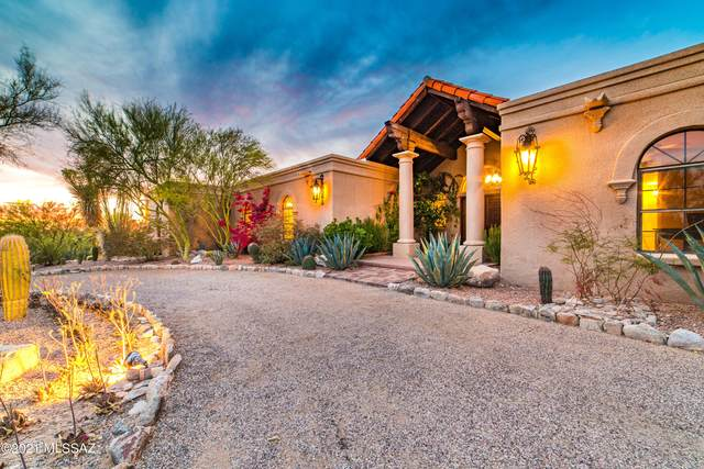 2321 E Camino La Zorrela, Tucson, AZ 85718 (MLS #22109913) :: The Luna Team