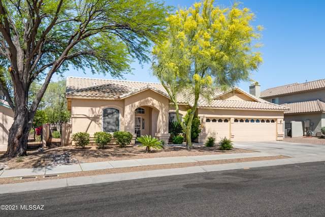 12495 N Wayfarer Way, Oro Valley, AZ 85755 (#22110687) :: Long Realty - The Vallee Gold Team