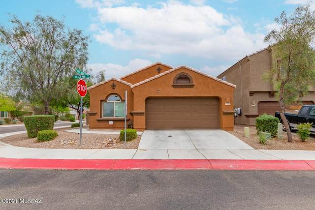8770 N Black Pine Drive, Tucson, AZ 85743 (#22111083) :: The Josh Berkley Team