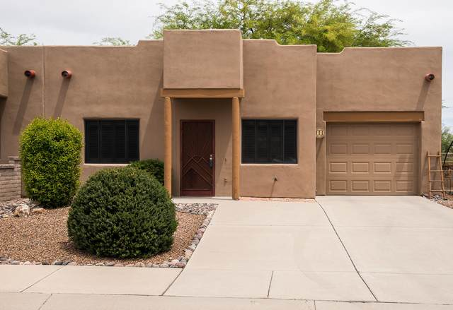 900 W Calle De La Pelotita, Green Valley, AZ 85614 (#22111623) :: Long Realty - The Vallee Gold Team