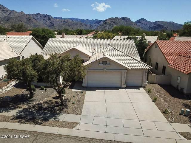 7561 E Camino Amistoso, Tucson, AZ 85750 (#22111645) :: Long Realty - The Vallee Gold Team