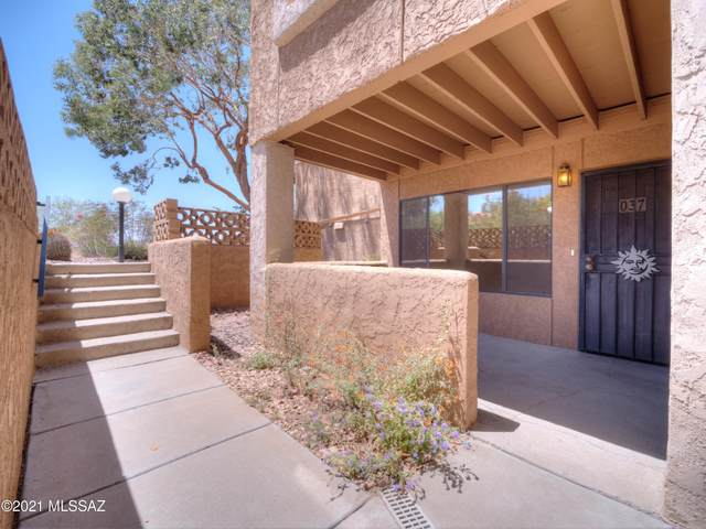 8263 N Oracle Road #37, Tucson, AZ 85704 (#22111928) :: Long Realty - The Vallee Gold Team