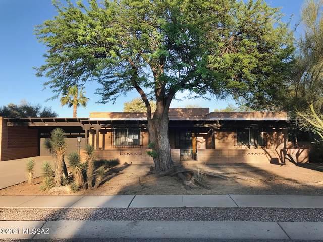 1421 S San Carla, Green Valley, AZ 85614 (#22111974) :: Long Realty Company