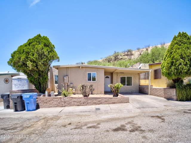 2247 N Monte Carlo Pl Place, Nogales, AZ 85621 (#22115098) :: Long Realty - The Vallee Gold Team