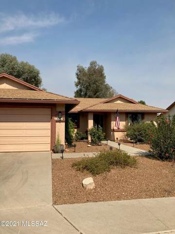 8761 N Star Grass Drive, Tucson, AZ 85742 (#22115283) :: Long Realty - The Vallee Gold Team