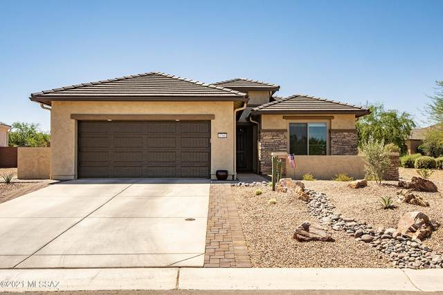 1760 N Three Feathers Drive, Green Valley, AZ 85614 (#22115299) :: Kino Abrams brokered by Tierra Antigua Realty