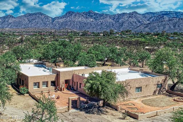 8959 E Woodland Road, Tucson, AZ 85749 (#22116275) :: Long Realty - The Vallee Gold Team
