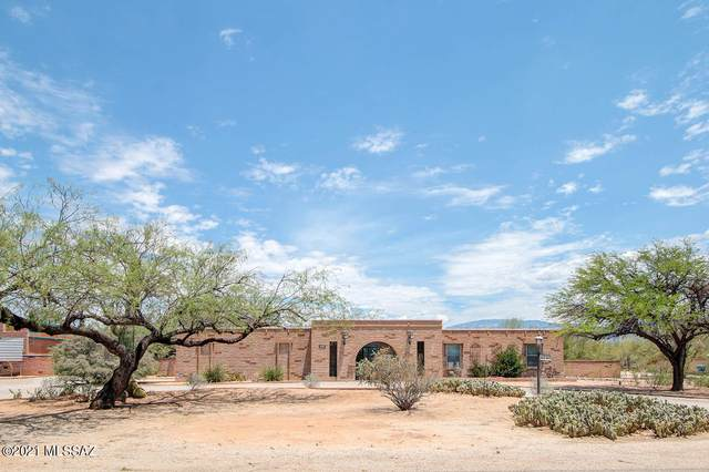 4040 N Holster Drive, Tucson, AZ 85749 (#22118137) :: Long Realty - The Vallee Gold Team