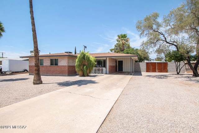 6733 E Calle Luna, Tucson, AZ 85710 (#22118428) :: Long Realty - The Vallee Gold Team