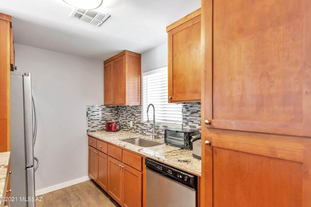 902 W Hazelwood Street, Phoenix, AZ 85013 (#22118535) :: Long Realty - The Vallee Gold Team