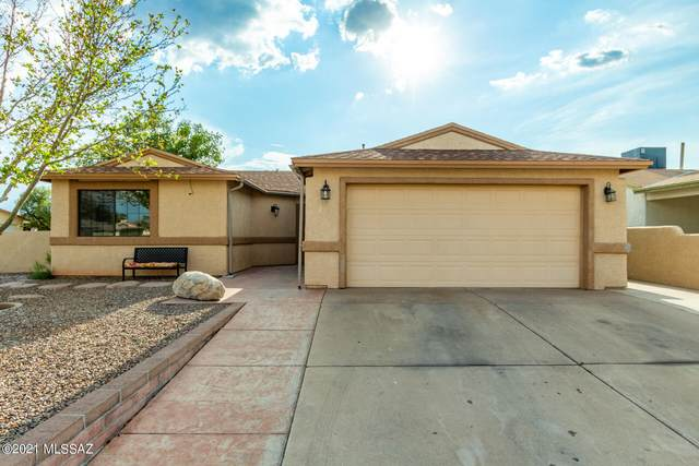 5840 S Pin Oak Drive, Tucson, AZ 85746 (#22118833) :: Long Realty - The Vallee Gold Team