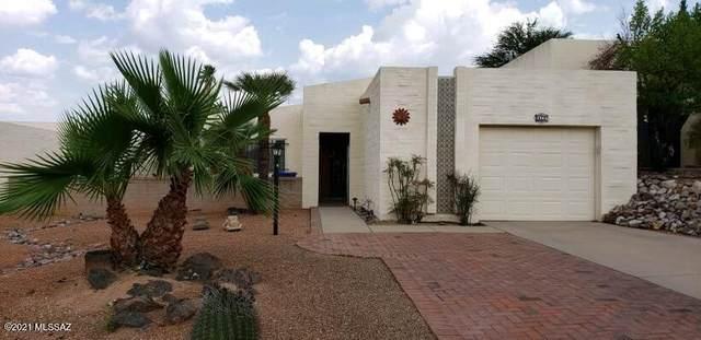 2741 S Calle Morena, Green Valley, AZ 85622 (#22118901) :: The Crown Team