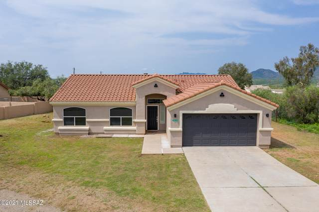 1692 Capote Court, Rio Rico, AZ 85648 (#22119097) :: Long Realty - The Vallee Gold Team