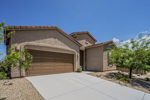 2520 W Bassett Peak Drive, Green Valley, AZ 85622 (#22119405) :: Long Realty - The Vallee Gold Team