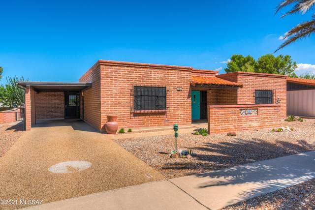 709 S Abrego Drive, Green Valley, AZ 85614 (#22120114) :: AZ Power Team