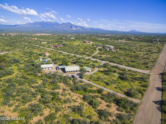 3710 W Calle Tres, Green Valley, AZ 85622 (#22122761) :: Long Realty - The Vallee Gold Team