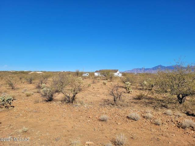 1983 Calle Iran, Rio Rico, AZ 85648 (#22124660) :: Tucson Real Estate Group