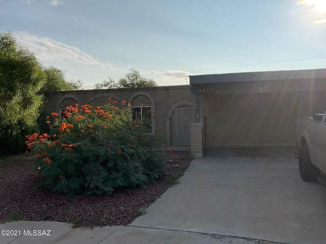 9252 E Chirco Place, Tucson, AZ 85710 (#22126192) :: Long Realty - The Vallee Gold Team