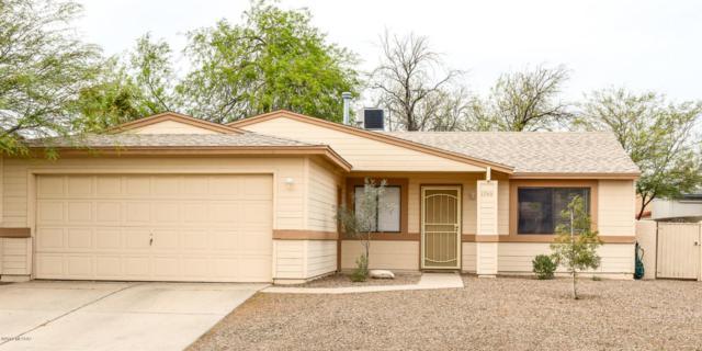 1740 W Greenleaf Drive, Tucson, AZ 85746 (#21811181) :: The KMS Team
