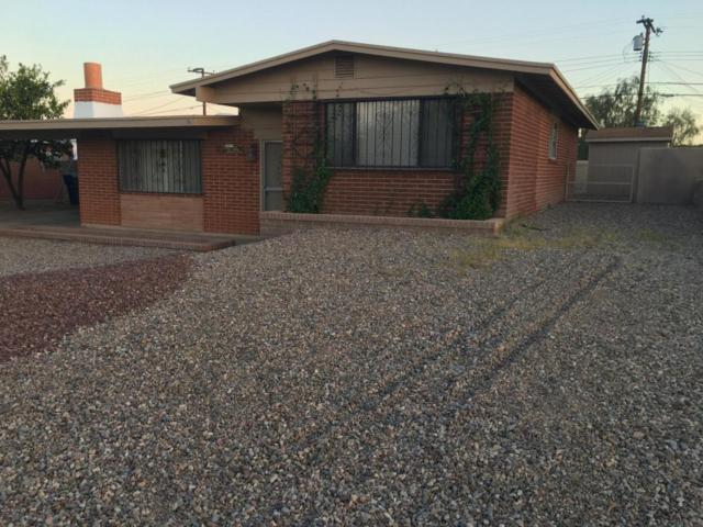 1911 W Camelot Place, Tucson, AZ 85713 (#21813535) :: Long Realty - The Vallee Gold Team