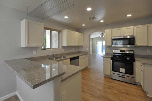 12245 N Makayla Canyon Drive, Oro Valley, AZ 85755 (#21827351) :: Long Realty - The Vallee Gold Team