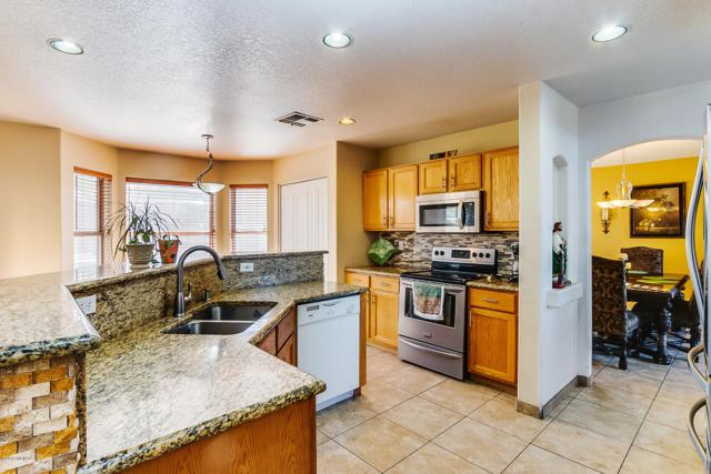 8217 N Torrey Place, Tucson, AZ 85743 (#21905532) :: The Josh Berkley Team