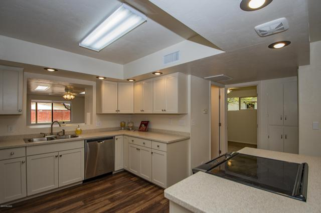 2650 N Orchard Avenue, Tucson, AZ 85712 (MLS #21907330) :: The Property Partners at eXp Realty