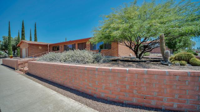 8902 E Rosewood Street, Tucson, AZ 85710 (#21916826) :: The Local Real Estate Group | Realty Executives