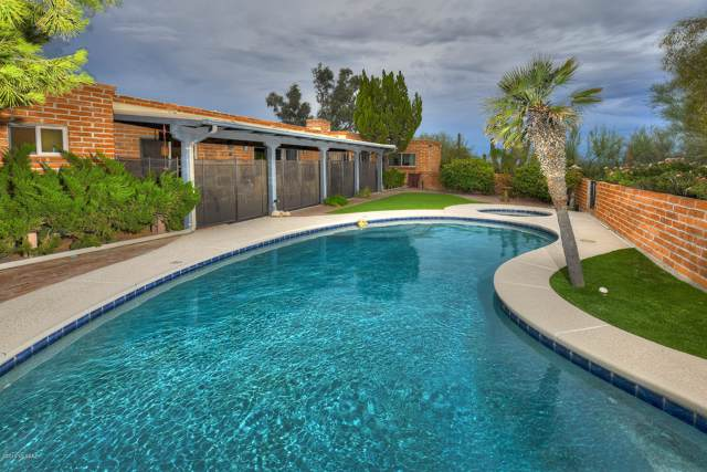 5241 N Via Condesa, Tucson, AZ 85718 (#21920241) :: Long Realty - The Vallee Gold Team