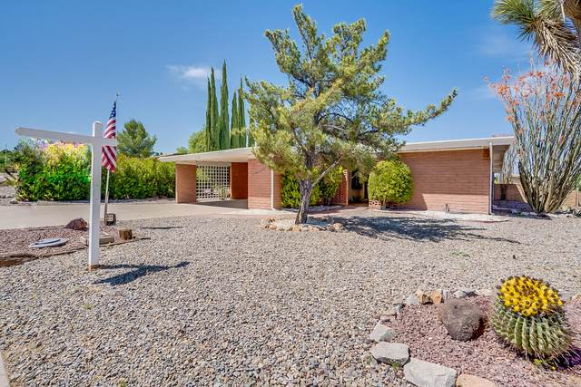 316 W Via Bacanora, Green Valley, AZ 85614 (#22010110) :: Long Realty - The Vallee Gold Team