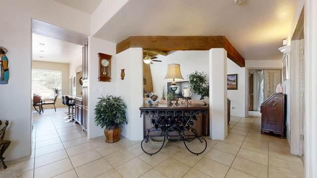 9900 N Ridge Shadow Place, Oro Valley, AZ 85704 (#22010998) :: Keller Williams