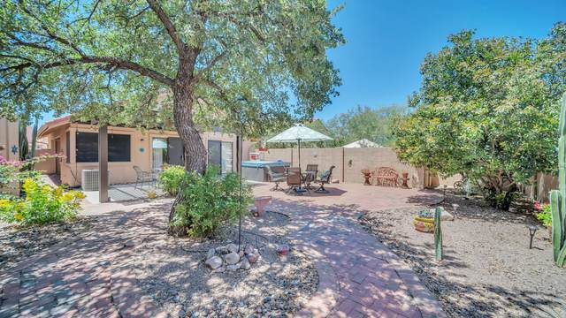 301 E Ridgeland Street, Oro Valley, AZ 85737 (#22013000) :: Long Realty Company