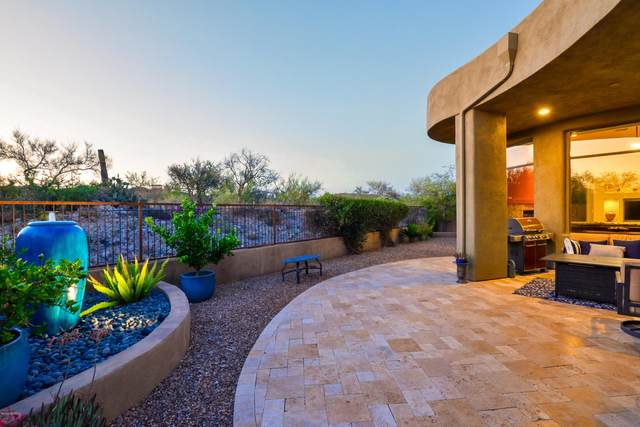 1028 W Lone Mesquite Drive, Oro Valley, AZ 85755 (#22014800) :: Long Realty - The Vallee Gold Team