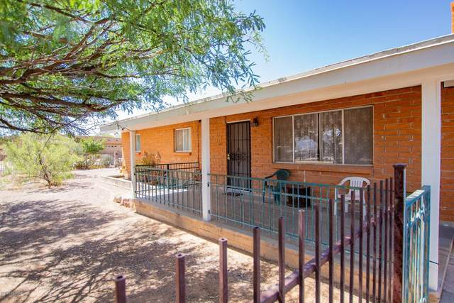 2550 W Tolosa Circle, Tucson, AZ 85746 (#22022262) :: Long Realty - The Vallee Gold Team