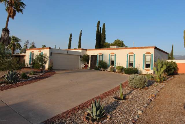 2217 S Oak Park Drive, Tucson, AZ 85710 (#22022687) :: Long Realty - The Vallee Gold Team