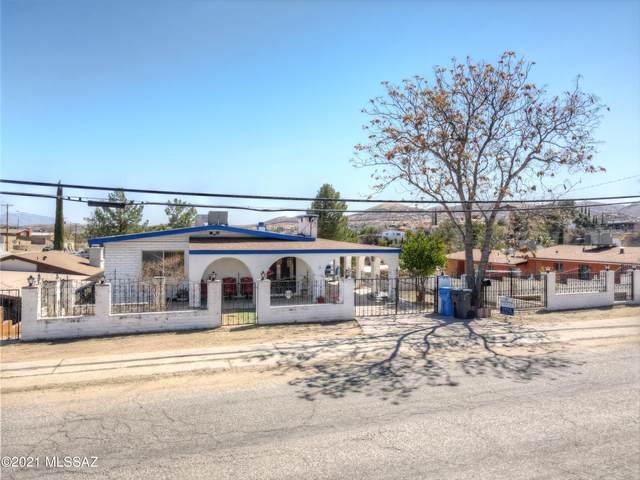 732 N Sonoita Avenue, Nogales, AZ 85621 (#22104405) :: Keller Williams