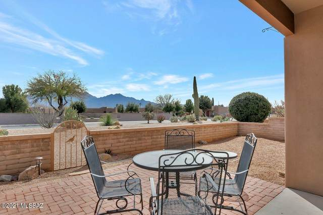3933 S Via De Cristal, Green Valley, AZ 85614 (#22105510) :: Kino Abrams brokered by Tierra Antigua Realty