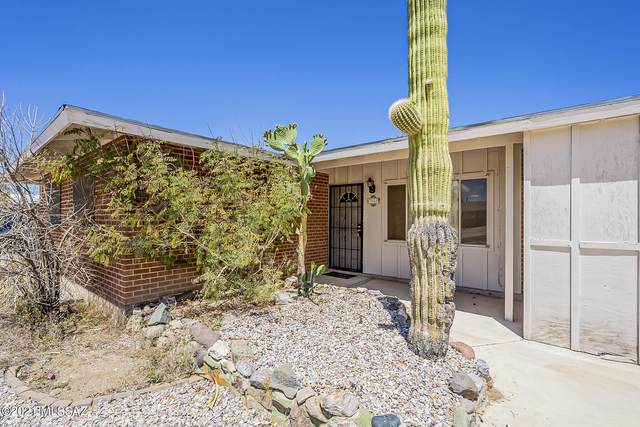 7033 E Calle Orion, Tucson, AZ 85710 (#22111175) :: The Local Real Estate Group | Realty Executives
