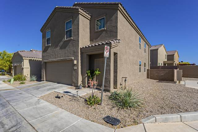 7643 W Placita Naranja, Tucson, AZ 85757 (#22111999) :: Long Realty - The Vallee Gold Team