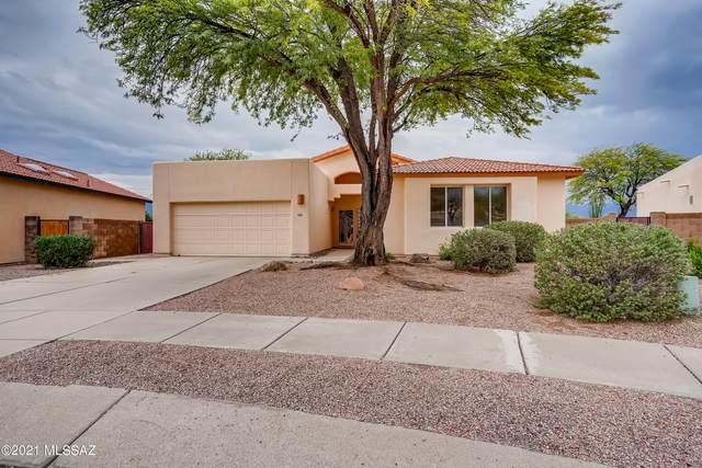 8783 E Desert Hibiscus Place, Tucson, AZ 85715 (#22119000) :: The Josh Berkley Team